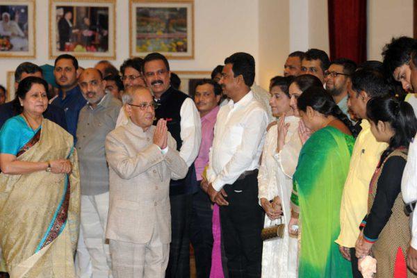 राष्ट्रपति भवन में इफ्तार पार्टी, प्रणब ने दिया एकता का संदेश